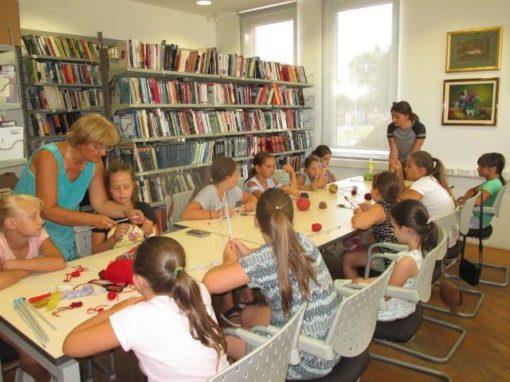 Pletenje u knjižnici