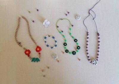 Izrada cvjetnih ogrlica